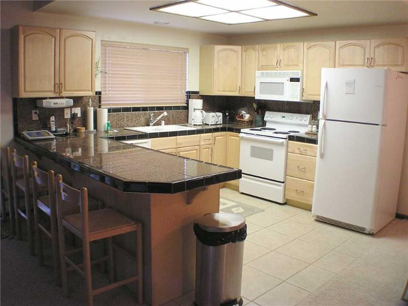 Updated Condo nestled in Pine Trees with Community Pool, Hot Tubs and Tennis Courts (LV09) - Image 1 - Zephyr Cove - rentals