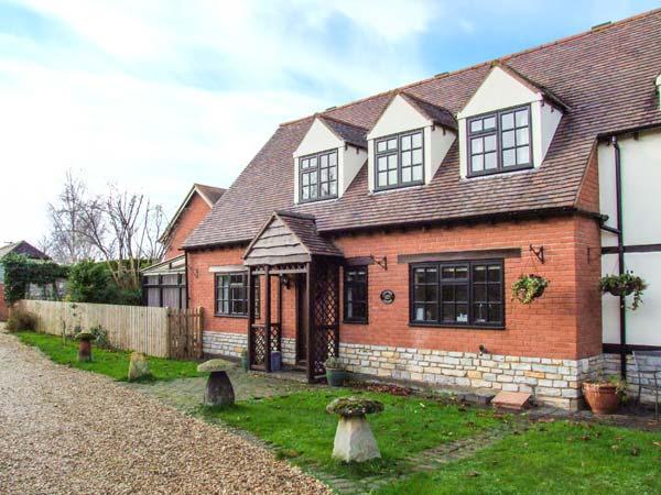 LAVENDER COTTAGE, pet-friendly cottage, garden, character, in Bretforton Ref 21367 - Image 1 - Bretforton - rentals