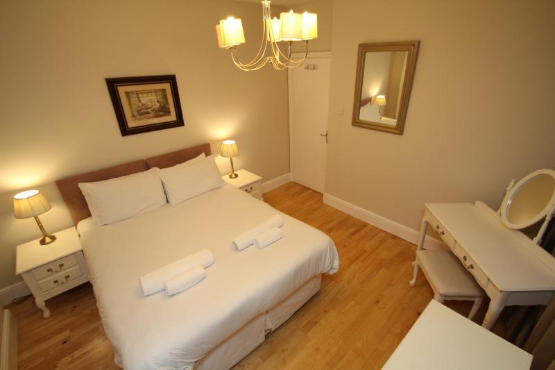 West Kensington One Bedroom Second Floor Apartment - Image 1 - London - rentals