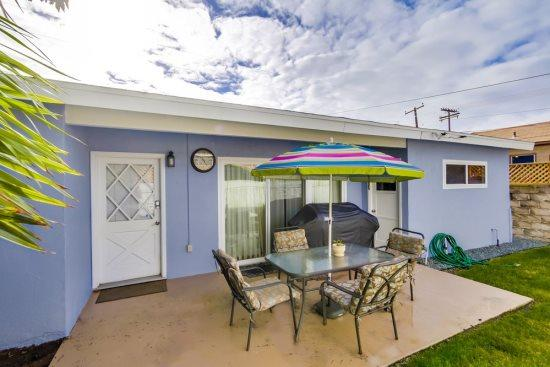Lovely, quiet back patio to sit and enjoy your coffee, tea, or just relax - Receive up to 30% off if you stay with us from now until 5/2!!! - Pacific Beach - rentals