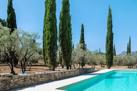 Ideal for large Groups! Luxury Villa Les 3 Nicole offers Stunning Views & Heated Saltwater Pool - Image 1 - Saint-Remy-de-Provence - rentals