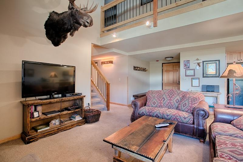 Vaulted Living Room - 4BR/4BA Ski In/Ski Out Trails End Penthouse - Breckenridge - rentals