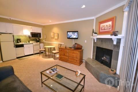 The updated studio condo, with one bathroom, sleeps up to four guests on a queen-sized sofa bed and Queen Size Murphy bed with a comfy new mattress. - Lodge at Park City Mountain Village - Park City - rentals
