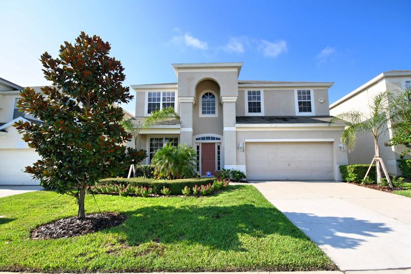 6 bedroom Luxury Pool Villa - 2 miles from Disney! - Image 1 - Kissimmee - rentals