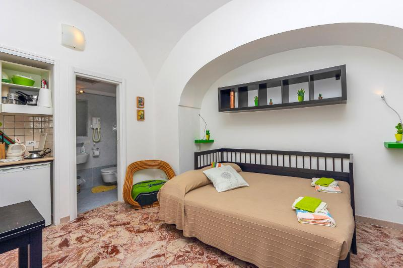 Cheap cosy apartment in Amalfi centre - Image 1 - Amalfi - rentals