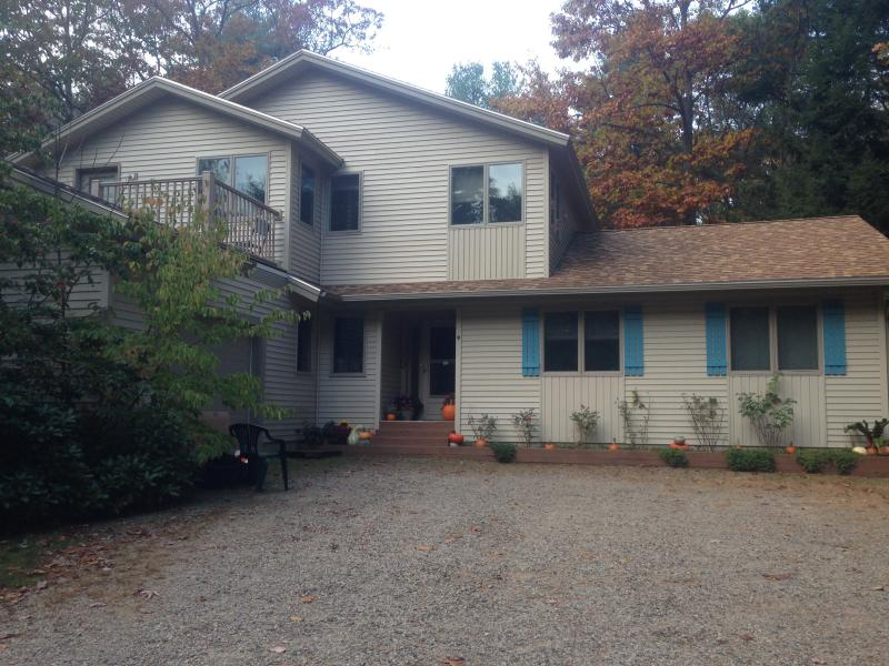 front of house - Newly-renovated family home in Ogunquit, Maine - Ogunquit - rentals
