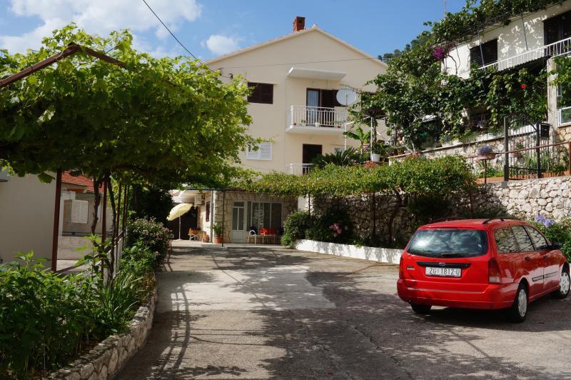 Apartment in the center of Hvar 1 - Image 1 - Hvar - rentals