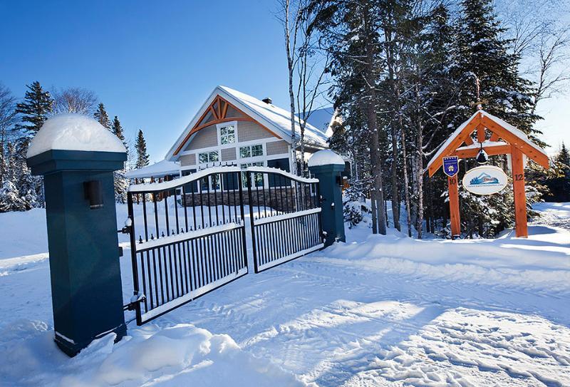 Chalet Charlevoix Quebec Luxury 4 Season Cottage - Image 1 - Charlevoix - rentals