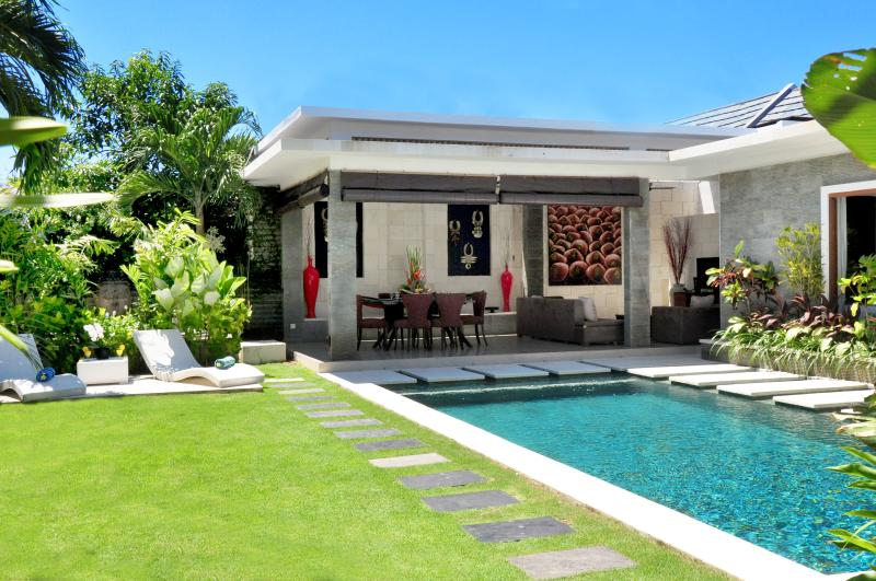 Beautiful Lap pool Villa La - JULY PROMO: Luxury 3 Bedroom Villa in Legian - Seminyak - rentals