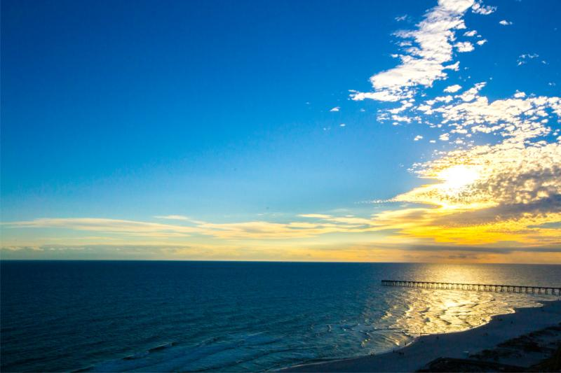 15th Fl. 3/3 NEWLY PAINTED by BeachBumBB - Image 1 - Pensacola Beach - rentals