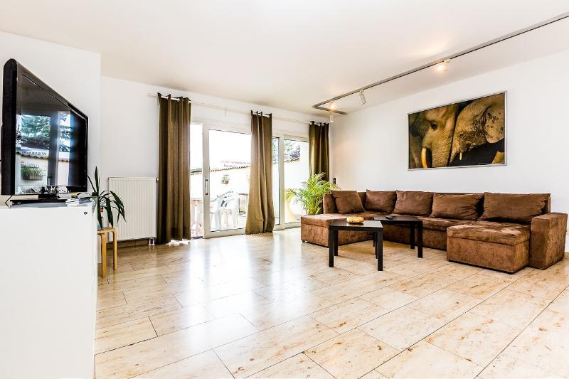Spacious center house with 100 sq m - 48 Spacious center house in Cologne Weidenpesch - Cologne - rentals