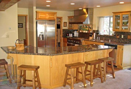 Four Bear Lair Cabin escape to this spacious and fun filled Vacation Cabin in Big Bear near Bear Mountain Ski Resort. - Image 1 - Big Bear Lake - rentals