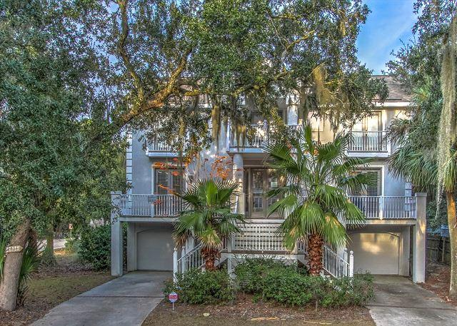 Exterior - 1 Quail Street-5th Row Ocean and ready for your family gathering. - Hilton Head - rentals
