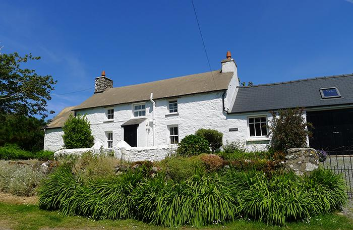 Holiday Cottage - Ty Canol, Pwllderi, Strumble Head - Image 1 - Pembrokeshire - rentals