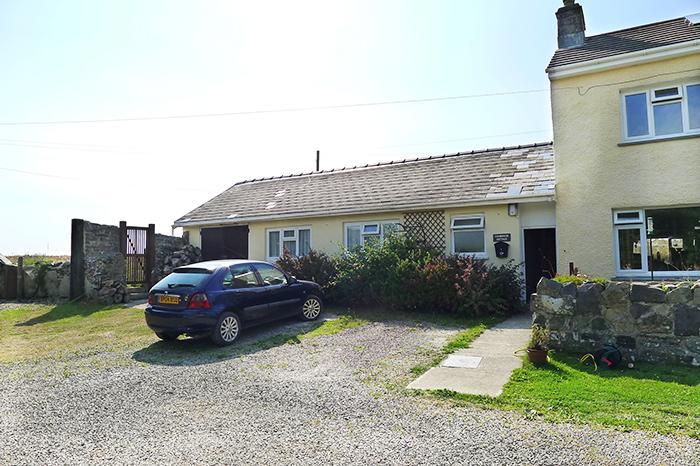 Pet Friendly Holiday Cottage - Farmhouse Cottage, Trevinert, Nr St Davids - Image 1 - Saint Davids - rentals