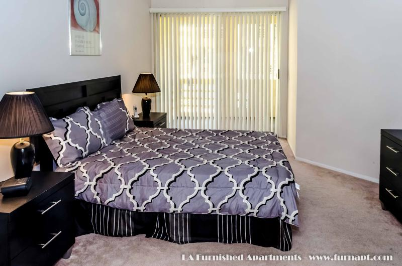 Luxury Furnished One Bedroom Apt (30 day min) - Image 1 - Los Angeles - rentals