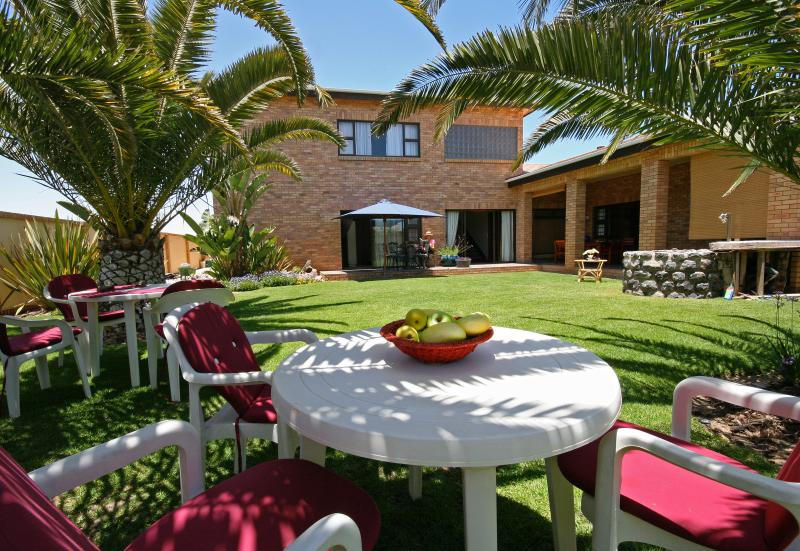 Sunny Palmgarden available to all guests from both units. - Chala-Kigi - Garden Apartment - Swakopmund - rentals
