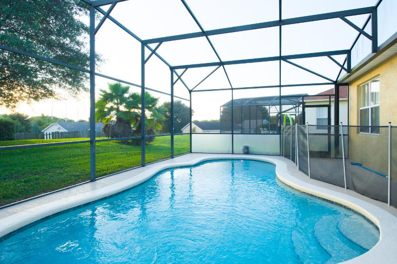 South Facing Private Pool - Stunning Family Home - South Facing Pool - Loughman - rentals
