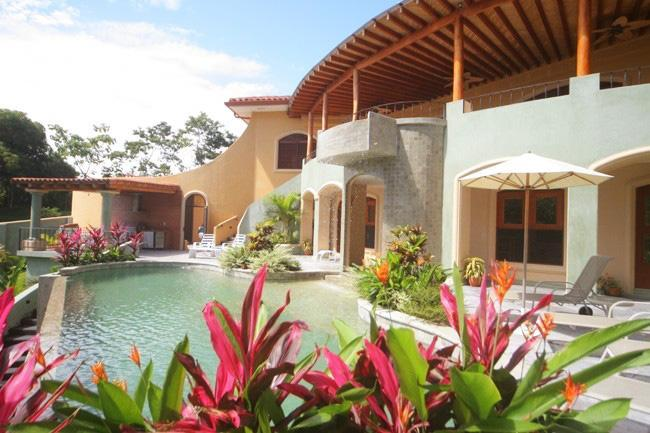 Ocean view, Pool & Jacuzzi WOW! Come meet the lovely Costa Rican Critters! - Image 1 - Manuel Antonio - rentals