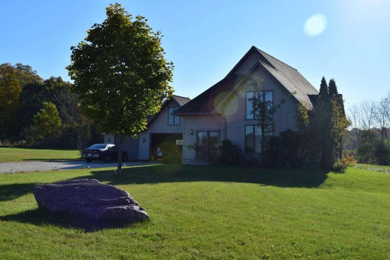 Aspen House in the morning - Private, peaceful 3-bedroom country home near Elkh - Elkhart Lake - rentals