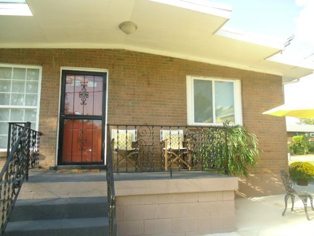 Front Porch - Batavia Suites A - Nashville - rentals