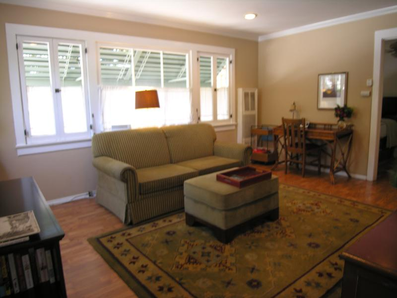 Living Room (view #1) - Charming Hillside Cabin below the Hollywood Sign - West Hollywood - rentals