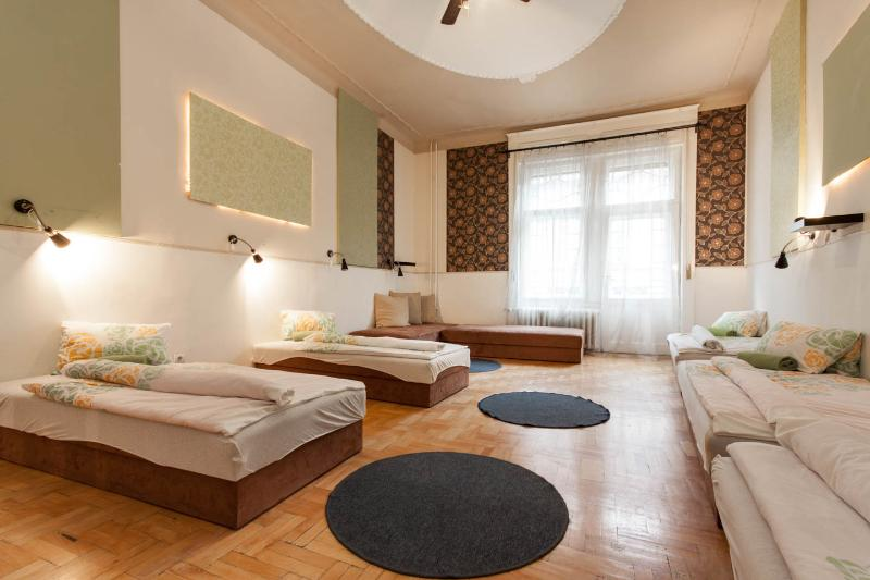 feelBudapest 110 sqm 3 baths 10 sleeps - Image 1 - Budapest - rentals