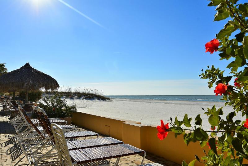 Gorgeous beach front Condo at Villa Madeira! - Image 1 - Madeira Beach - rentals