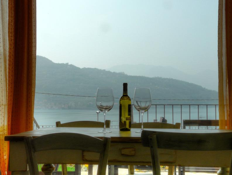 Splendid view of lake - Sale Marasino with beatiful view of Iseo Lake - Sale Marasino - rentals