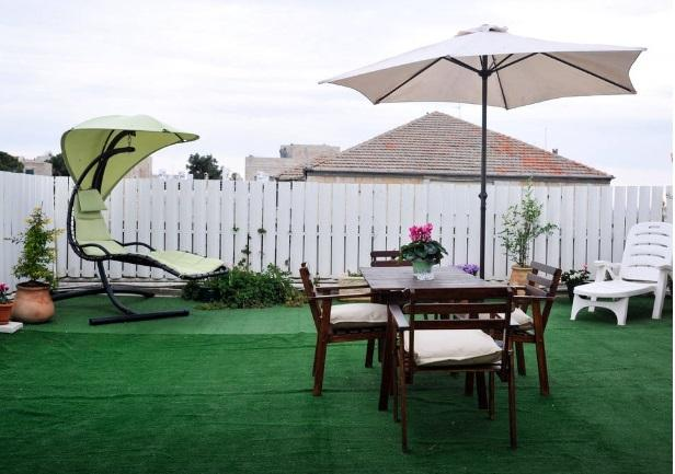 2bdr with huge private roof! ! Talbieh- citycente - Image 1 - Jerusalem - rentals