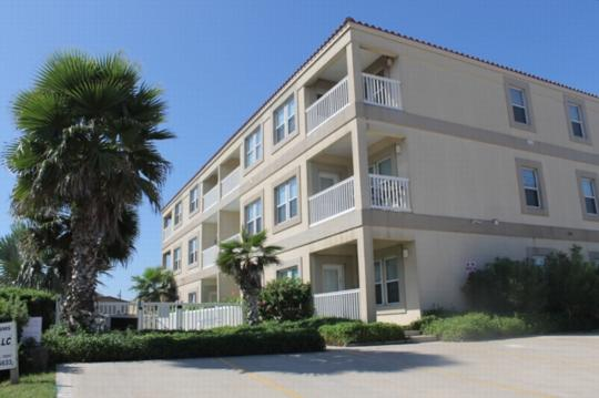 Cora Lee 103 Beachfront convenience without the $$ - Image 1 - South Padre Island - rentals