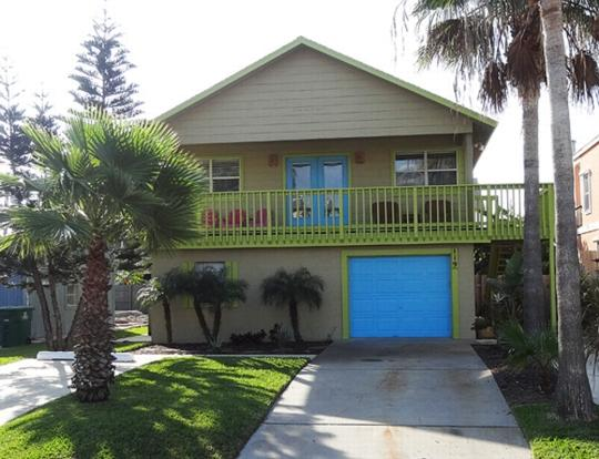 Costa Bella Courtyard   ½ block from beach - Image 1 - South Padre Island - rentals