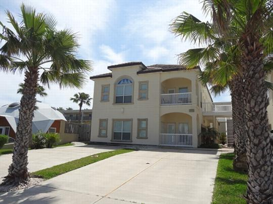 Sea Shell Isle 2C  Large condo 1 block from beach - Image 1 - South Padre Island - rentals