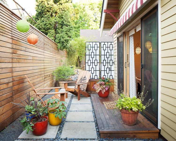The cottage's private patio, all yours.  Table and chairs for two and an awning, if needed. - PDX Eco Cottage Guest House - Portland - rentals