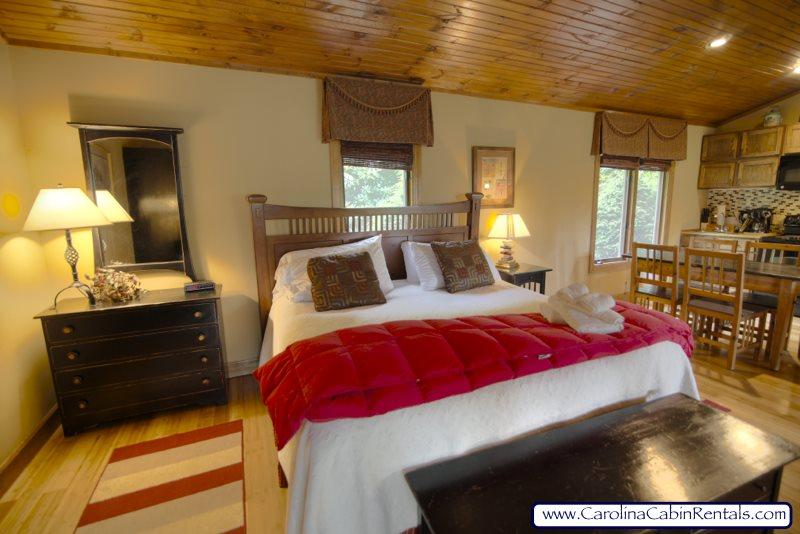 Cottage at Yonahlossee King Bed - Cottage at Yonahlossee Resort - Boone - rentals