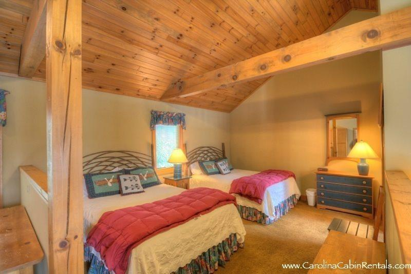 Chippewa Cottage - Open Floor Plan with Two Queen Beds - Chippewa Cottage - Boone - rentals