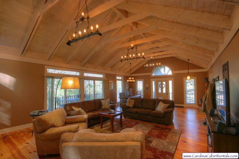 Peak Relaxation Main Living Area - Peak Relaxation - Blowing Rock - rentals