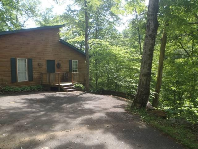 Triple J Hideaway - Triple J Hideaway is a secluded, split-level lakefront vacation cabin with private dock, perfect for your family, a romantic weekend or small group. - Norris - rentals