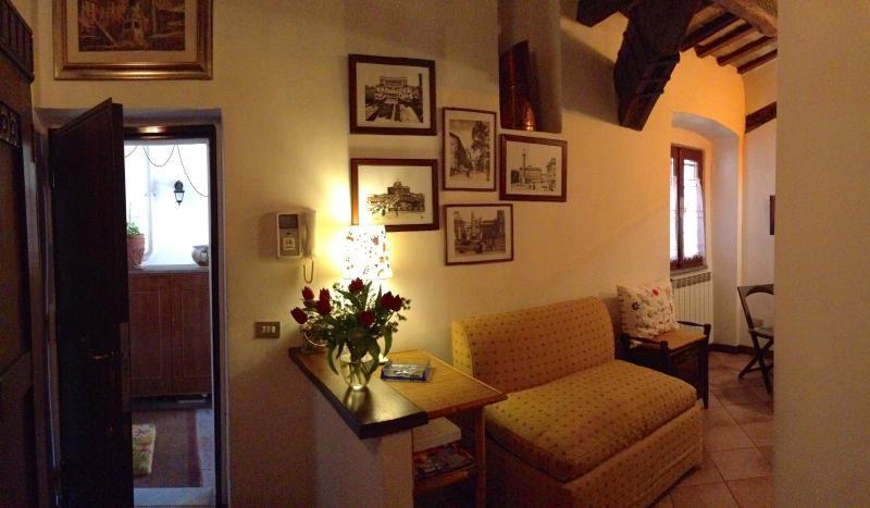 foyer - Historical and lovely Campo de Fiori apartment - Lazio - rentals