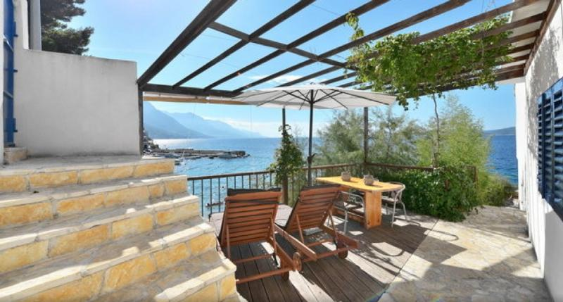 The Beach House Croatia Terrace - The Beach House Croatia Pisak. Right on the sea - Pisak - rentals