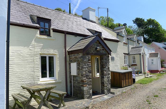 Holiday Cottage - Bryn Melin, Abercastle - Image 1 - Pembrokeshire - rentals