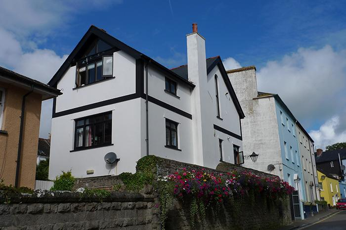 Holiday Apartment - Hayloft, Tenby - Image 1 - Tenby - rentals