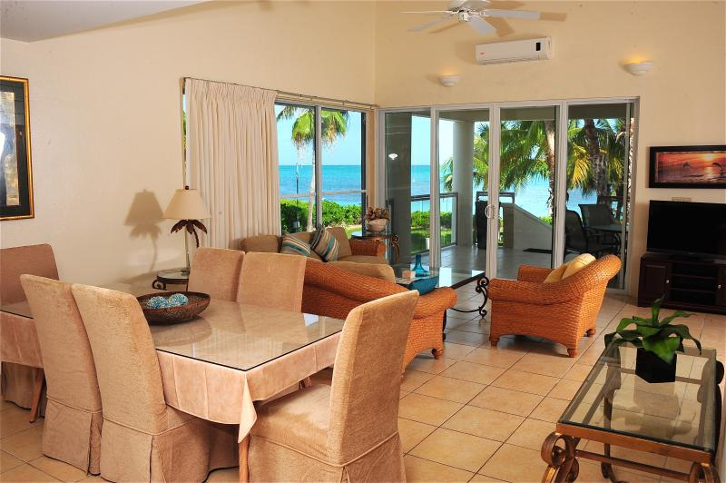 3 b/r Villa on the finest snorkeling reef - Image 1 - Providenciales - rentals