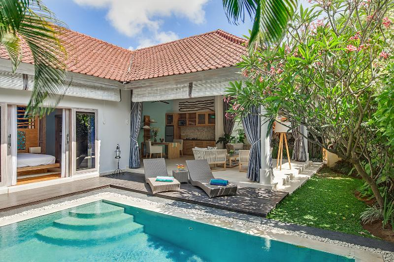 Overview of tropical Villa Sky - Walk to the beach 1 BDR romantic  pool villa. - Seminyak - rentals