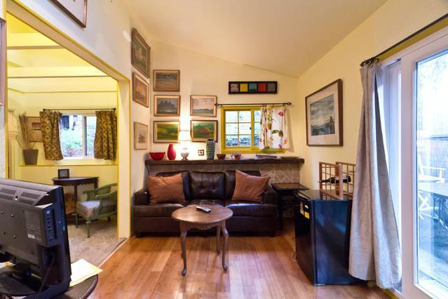 Romantic Santa Barbara One Bed Vacation Rental - Image 1 - Santa Barbara - rentals