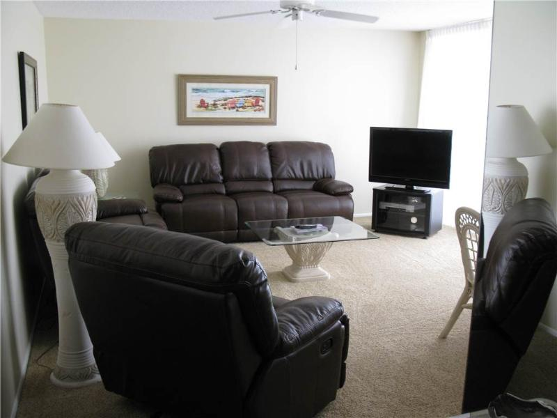 Soothing Gulf Side 2BR WITH balcony, TV/DVD #403GS - Image 1 - Sarasota - rentals