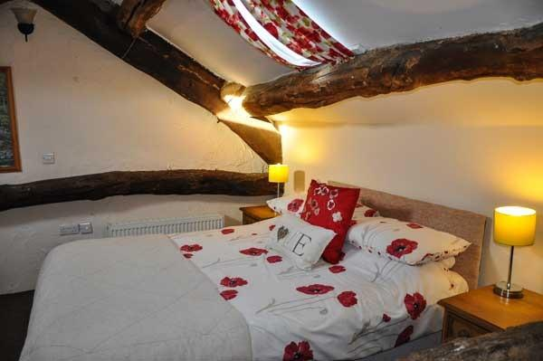 COTTAGE 2 SLP,4,6,CLOSE TO  WHINLATTER,AND OSPREY. - Image 1 - Keswick - rentals