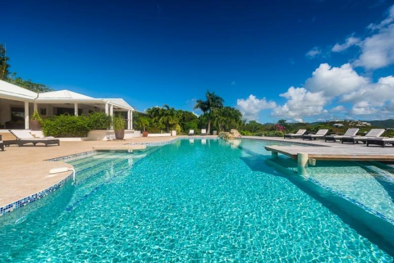 Sol e'Luna, Terres Basses, St Martin 3BR - SOL E LUNA....Full AC in this beautifully appointed family villa w/ gorgeous new pool - Terres Basses - rentals