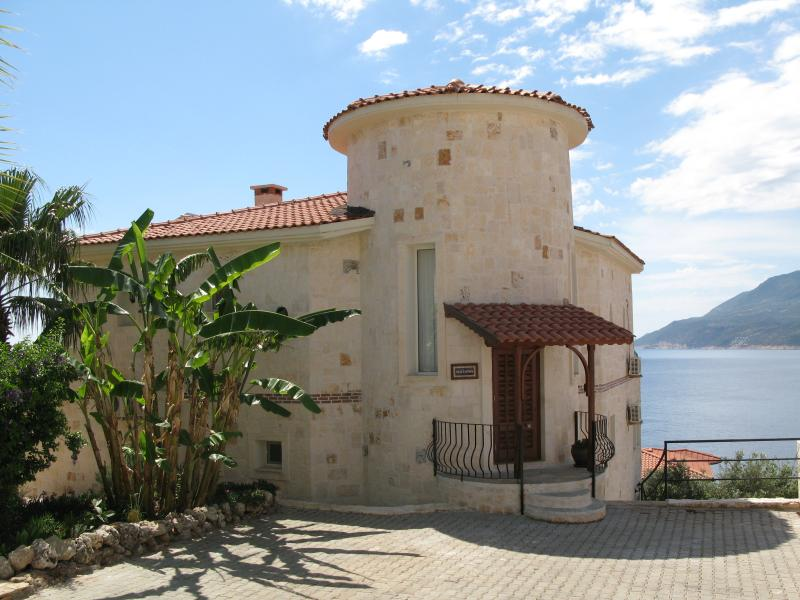 Beautiful 3 bed villa with private infinity pool - Image 1 - Kas - rentals
