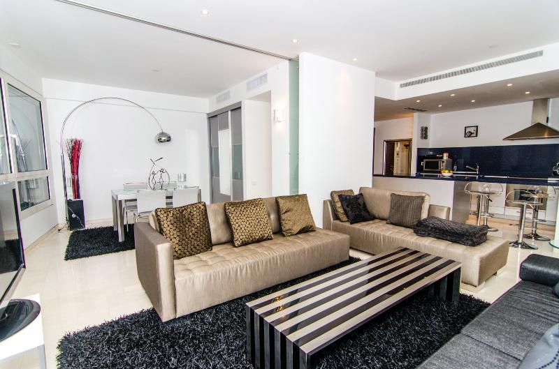 YOO Towers –  Exclusive 2 Bedroom Apartment - Image 1 - Tel Aviv - rentals